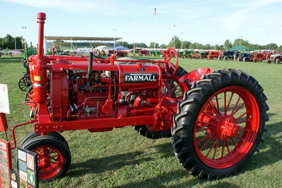 Farmall F 12 : I tractors